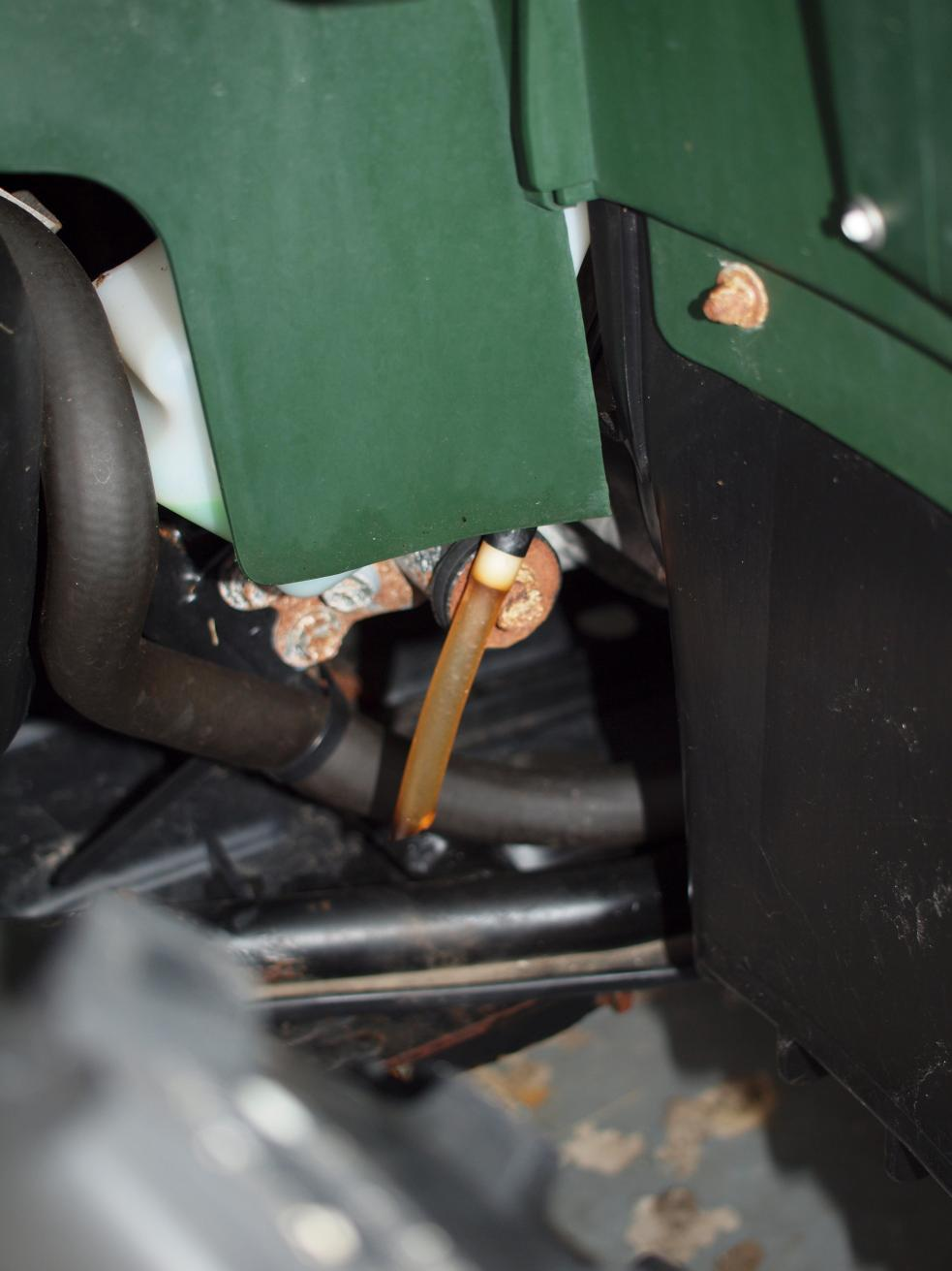 2003 Kodiak Leaking fuel from drain hose at bottom of carb - Yamaha
